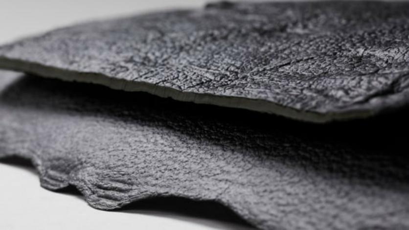 blogModacad-biomim-tica-o-couro-feito-com-a-fibra-de-cogumelo-1524840420641_836x470