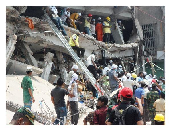 Rescue-at-Rana-Plaza-collapse